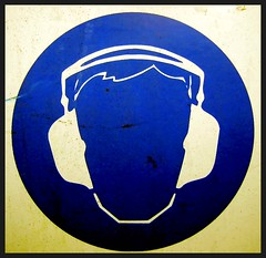 No Face Headphones (See El Photo) Tags: blue 15fav music favorite signs face sign illustration graphicart circle square faded sound signage beat headphones noface fade fav receiver earphones squarecircle 1f fadedsign raido faved