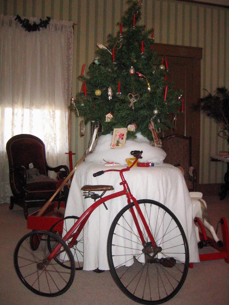 Auburn Christmas Gifts
