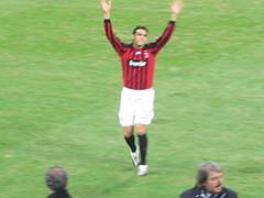 Prima di AC Milan vs Celtic (Luca +10) Tags: glasgow ucl celtic sansiro acmilan stadio uefachampionsleague kakà tifosi braccia saluti rossoneri applausi pallonedoro
