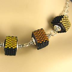 kuutio necklace in yellow (yellowplumbeads) Tags: silver necklace beads handmade jewelry bead handcrafted sterling etsy beaded artisan yellowplum beadwork sterlingsilver seedbeads handmadejewelry beadweaving beadedjewelry artisanjewelry peyotestitch handcraftedjewelry yellowplumbeads etsymaine