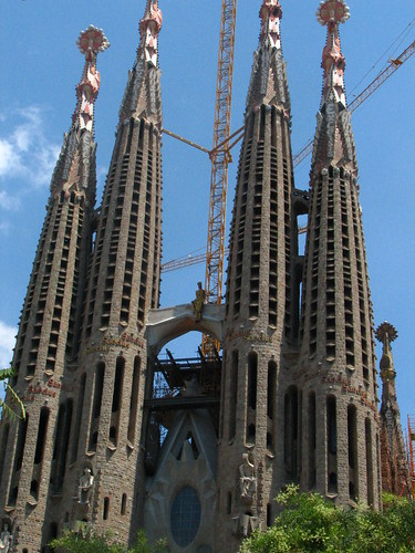 front view of La Sagrada Familia