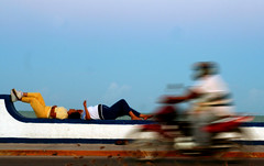 RELAX & hURRY (pakalwaters) Tags: sunset color bike relax mexico bay muelle maya south bahia moto contraste sur hurry nacho tarde descanso mex caribe prisa sureño qroo pakalwaters