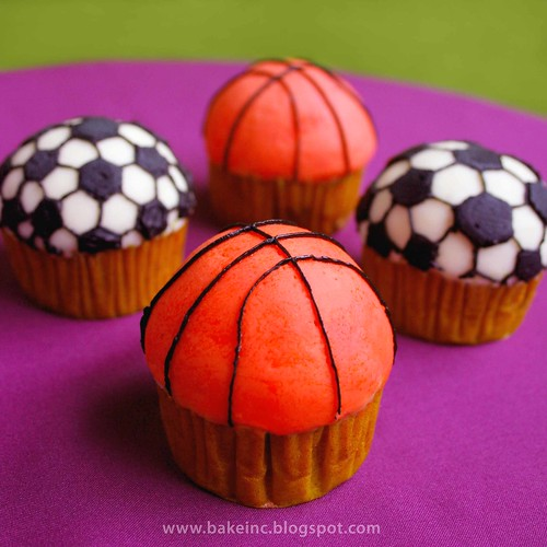 Ball cupcakes