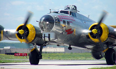 "B-17G ""Fuddy Duddy"" - Arriving (thegreatlandoni) Tags: airplane colorado aircraft wwii denver b17 bomber flyingfortress warbird denvercolorado worldwartwo fuddyduddy b17g centennialairport wingsovertherockies onephotoweeklycontest"