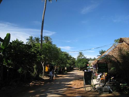 Main street - Thong Nai Pan Noi