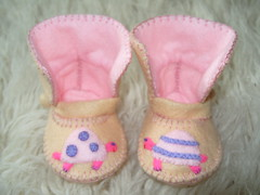 cream and pink winter baby shoes with tortoise motifs-hand-stitched (Funky Shapes) Tags: christmas uk pink winter baby love colors kids children shower shoes autum handmade unique oneofakind crafts tortoise cream felt zapatos gift kawaii bebe accessories feltro booties wholesale bebes babygift funkyshapes babyclothing babyslippers etsybaby