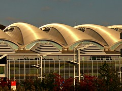 Frankfurt (eagle-ffm) Tags: city roof building architecture hall frankfurt fair stadt messe dach