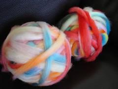 Painted sliver - Mche peinte (Tricotin) Tags: handspun laine rouet filage