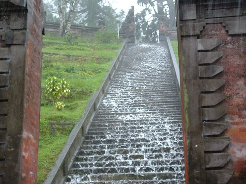 Bali Temple, flooding down the steps