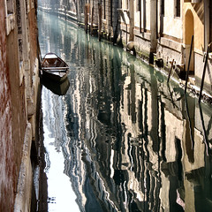 silvery street (Frizztext) Tags: venice light italy square boat canal interestingness bravo italia photographer galleries venezia jan8 blueribbonwinner firstquality littlestories supershot 100faves 35faves frizztext mywinners p1f1 platinumphoto ultimateshot diamondclassphotographer noncoloursincolour ysplix theunforgetablepictures theunforgettablepictures theperfectphotographer goldstaraward fdream picswithsoul 20080108 lesamisdupetitprince