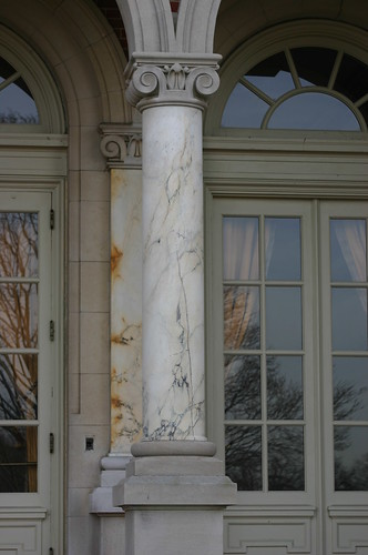Lower Front Loggia, Detail