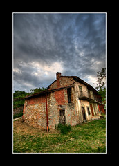 Mistery House (turbomg) Tags: house 1022mm hdr 1022 casaabbandonata bracketing 10mm montevecchia esposizioneaforcella