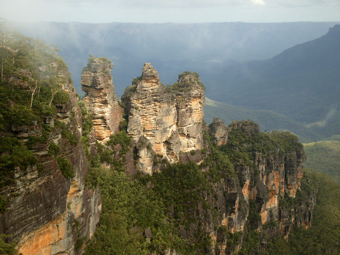 Click here for more information about our Blue Mountains tours.