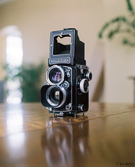 Mamiya shoots the Rolleiflex (Rob McKay Photography) Tags: calgary mamiya film analog rolleiflex photographer mckay rob medium format expired f28 realia wwwbokehensteincom wwwrobmckayphotographycom