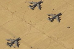 American Bombers (FabienA380) Tags: usa tarmac airplane pentax unitedstatesofamerica sigma kr nicepictures 18250mm