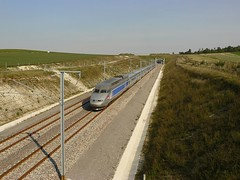 TGV R à 320 km/h