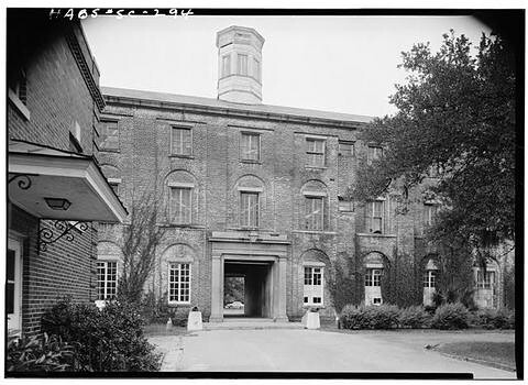 Charleston, Ashley Avenue, Porter Military Academy