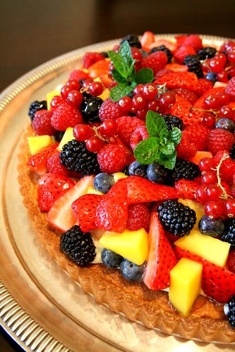 Fruit tart for birthday 021