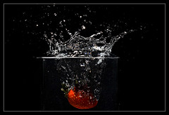 Splash of a Strawberry (Andrea&Mike@Flickr) Tags: water fruit strawberry wasser splash glas erdbeere obst supershot mywinners irresistiblebeauty diamondclassphotographer flickrdiamond platinumheartaward goldstaraward