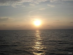 Sunset (Shaima82_4) Tags: sea sky sun nature water japan set clouds ship nippon 20 maru swy swy20