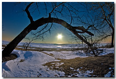 BACK TO THE BEACH FOR THE MOON RISE (_Val W) Tags: nightphotography winter snow stars nightimages lakeerie shorelines latenight sparkle beaches goodtimes afterdark fisheyelens longexposures moonrising ridgetown istds2 aperfectday mywinners forthewinter tiossealofapproval ultimateshot stattrails bloddycoldwinternight