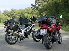 My wife's first motorcycle trip (Rob de Hero) Tags: suzuki sv 650 sv650 motorrad motorcycle motorbike motorcycletrip motorradtour honda cb 500 cb500 gepäck luggage film negativ analog analogue darmstadt