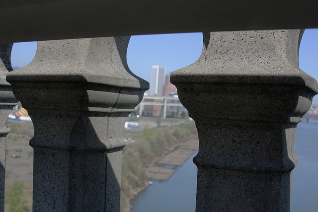 detail, ross island bridge