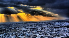 ???? over Tunis (a DELL) Tags: skyline clouds tunisia tunis nuages hdr ville tunisie rayondesoleil planeshot photomatix golddragon superaplus aplusphoto megashot sunbeames theperfectphotographer