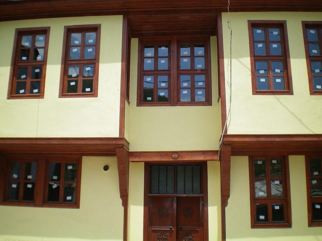 Tarihi Afyon Evleri