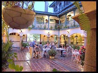 Ecuador-hotel-courtyard