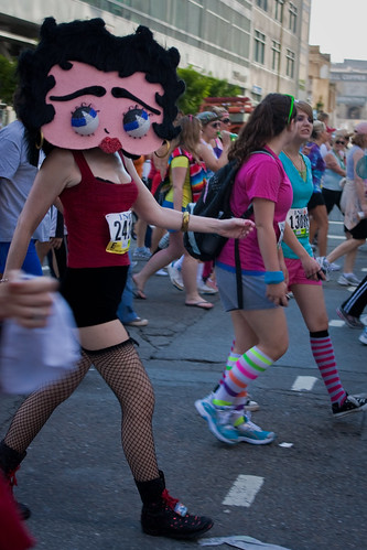 Bay to Breakers 2009: Betty boop