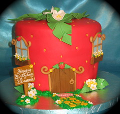 Strawberry shortcake cake (two parts sugar) Tags: cakes cake cupcakes cupcake missionviejo orangecounty strawberryshortcake lakeforest foothillranch laderaranch ranchosantamargarita lasflores cotodecaza