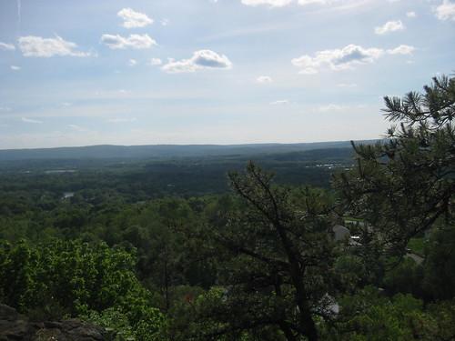 2011 05 25 climbing at Pinnacle Rock, Plainville CT 002