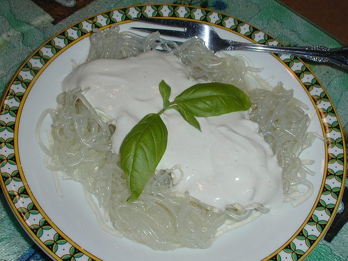 Kelp Noodles with Alfredo Sauce