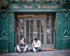 Eating Out (Alan Hutchison Photography) Tags: street windows food colour green scotland nikon edinburgh fastfood shutters royalmile d200 lightroom 144 nikond200 windaes