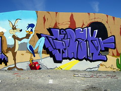 Girak (starworshipper) Tags: street urban color colour art norway graffiti piece throwup