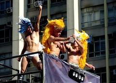 The Pride Power (Bruno Farias) Tags: brazil man men brasil saopaulo homem paulista homens avenidapaulista everrocks brunofarias paradagay2008 gayparade2008 obrunofarias