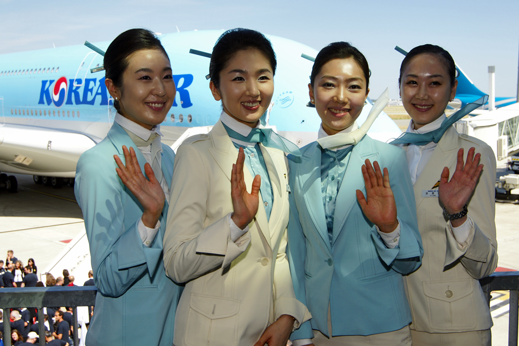 The world 39 s best photos of attendants and stewardess for Korean air cabin crew requirements