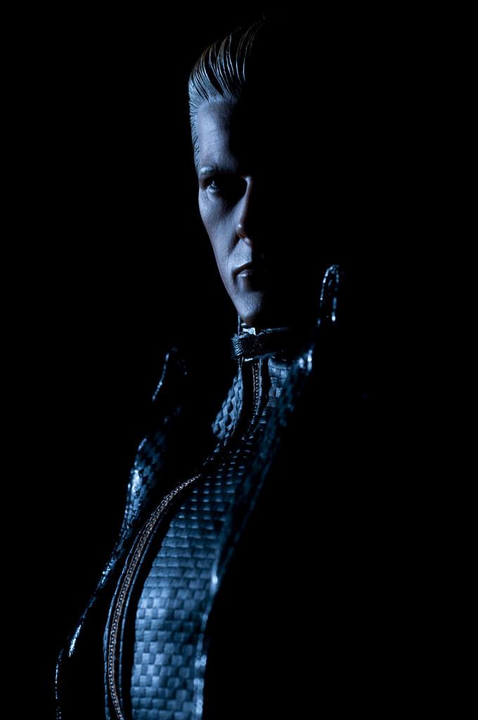 Hot Toys Resident Evil 5 Albert Wesker