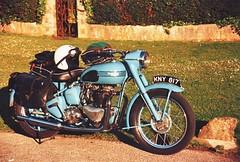 triumph (cskk) Tags: blue england bike vintage tl practica super motorbike triumph motorcycle thunderbird 6t supertl triumphthunderbird practicasupertl