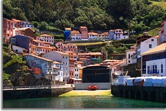 (Maria Artigas) Tags: espaa spain village pueblo asturias paisaje cudillero paisatge asturies poble canon400d