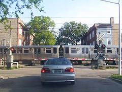 Spaulding crossing (Mr. Montrose) Tags: brown chicago train crossing cta el grade line l spaulding albanypark