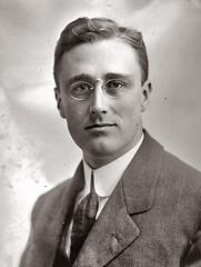 FDR in 1911 age 29 portrait 1911 (pince_nez2008) Tags: portrait nose franklin glasses d handsome eyeglasses fdr myopic 1911 eyewear eyeglass franklindroosevelt pincenez noseclip youngmenwearingpincenez fdr1911 noseeyeglasses