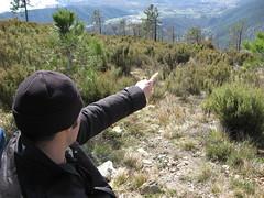 Marco indica il nulla (Marco Berri) Tags: liguria arenzano parcodelbeigua