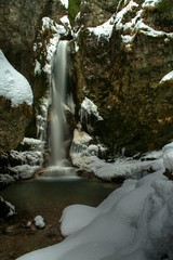 Cascade du Moulin - Les Bouchoux - Jura - France (louistib) Tags: snow france saint rocks jura waterfalls claude neige stalactite saintclaude louistib louisthibaudchambon lesbouchoux img2545hdr2 cascadedumoulin