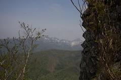 崖の向こうの暑寒連峰