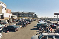 "Tailgate and The Linc • <a style=""font-size:0.8em;"" href=""http://www.flickr.com/photos/23560286@N02/2718031273/"" target=""_blank"">View on Flickr</a>"