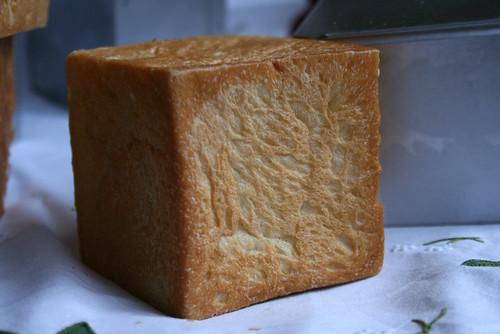 小さい食パン