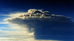 [Free Image] Society / Environment, Disaster, Volcano, Eruption, Chile, Puyehue Volcano, Mushroom Cloud, 201106110100