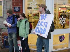 MorrisonsBangor 8/12/07_9 (ugain_i_un) Tags: protest civil rights welsh language cymraeg yr cymdeithas supermaket iaith hawl archfarchnad gymraeg